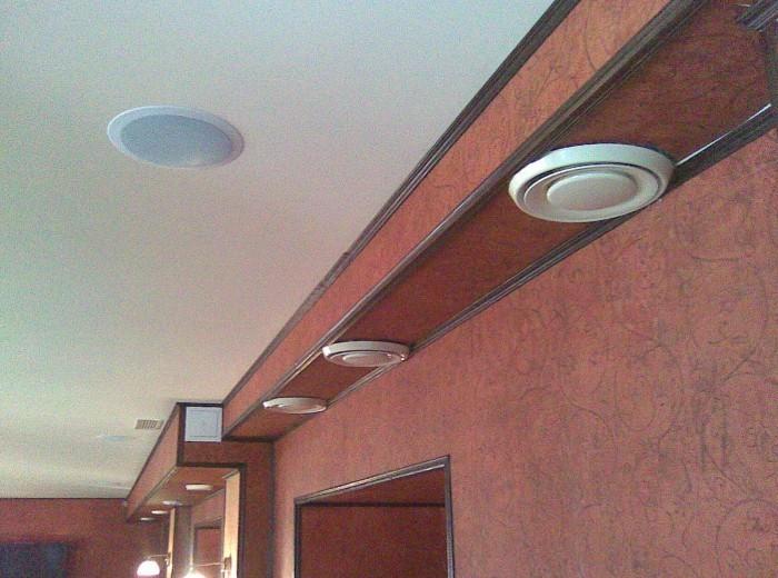 Система приточно-вытяжной вентиляции и кондиционирования воздуха в пивном Пабе - фото нашей работы